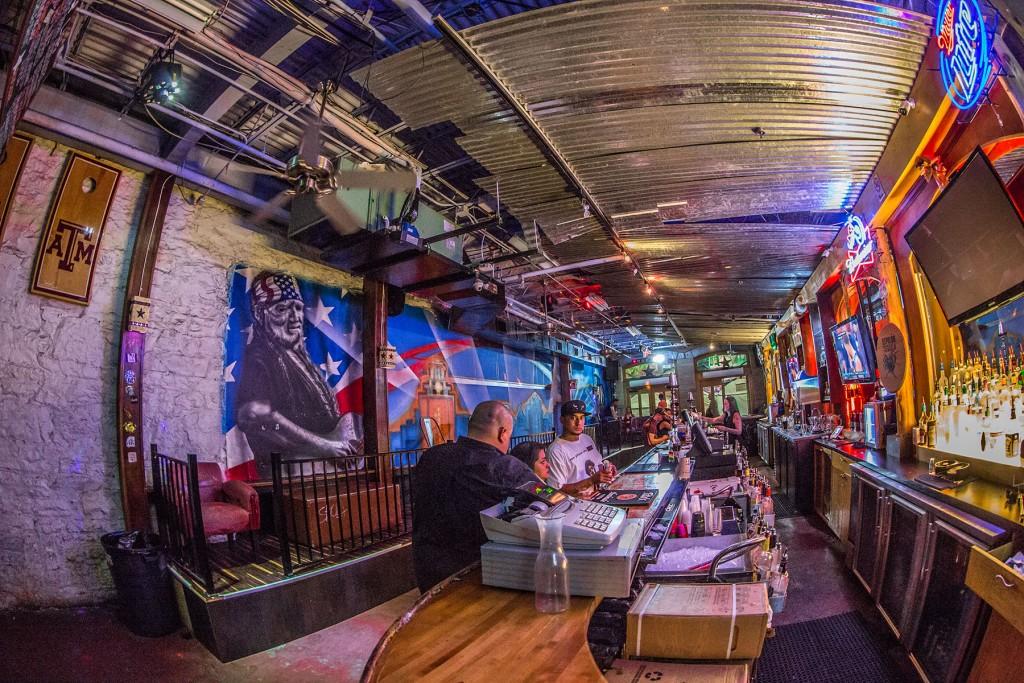 512 on 6th - Austin Dirty 6th Street Bar