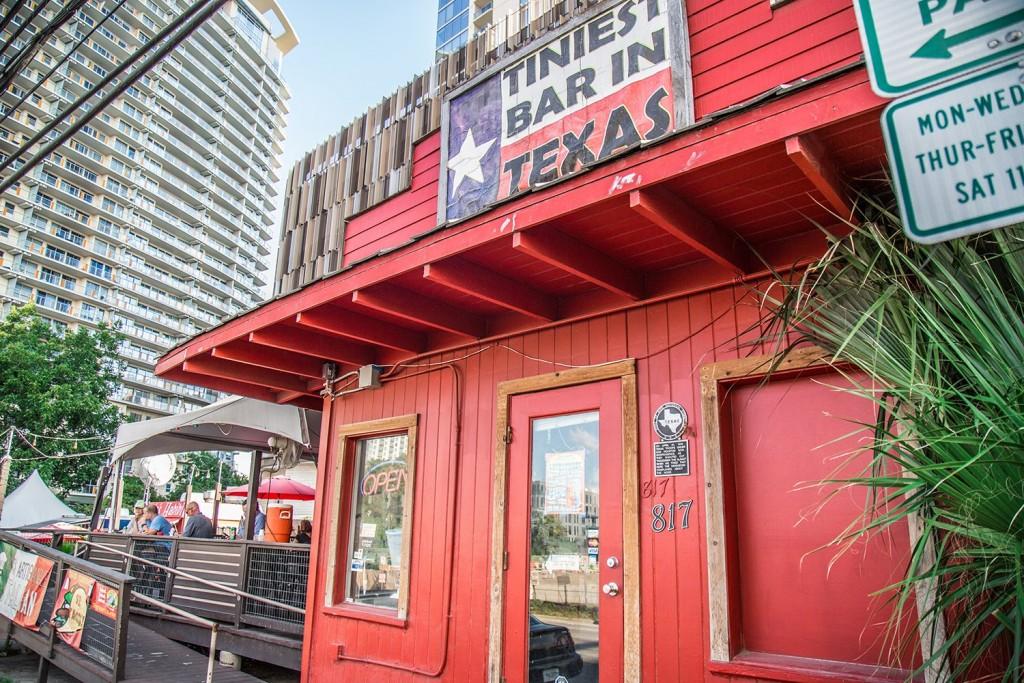 Tiniest Bar in Texas 04