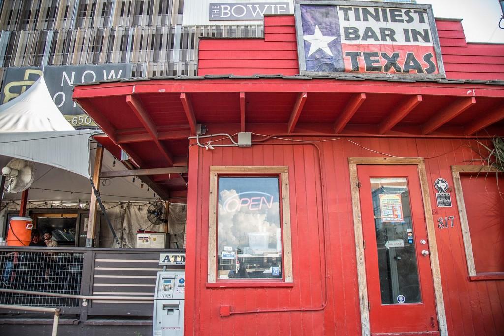 Tiniest Bar in Texas 05