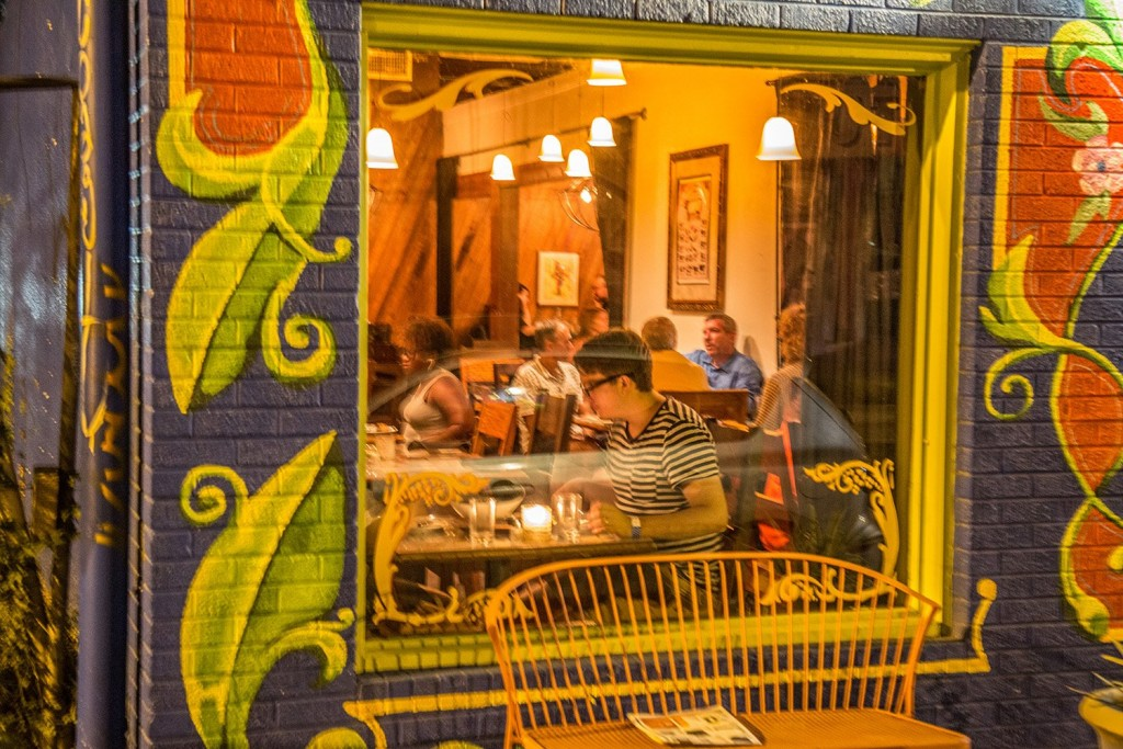 Buenos Aires Cafe - 6th Street Restaurant