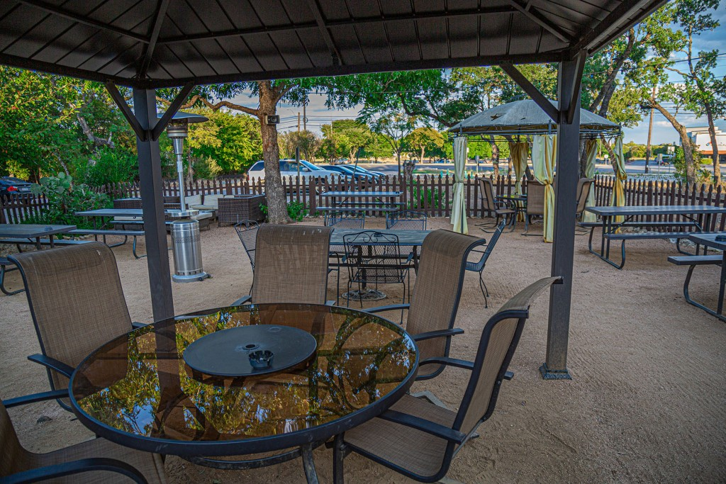 Indian Roller - South Austin Patio Lounge & Roadhouse