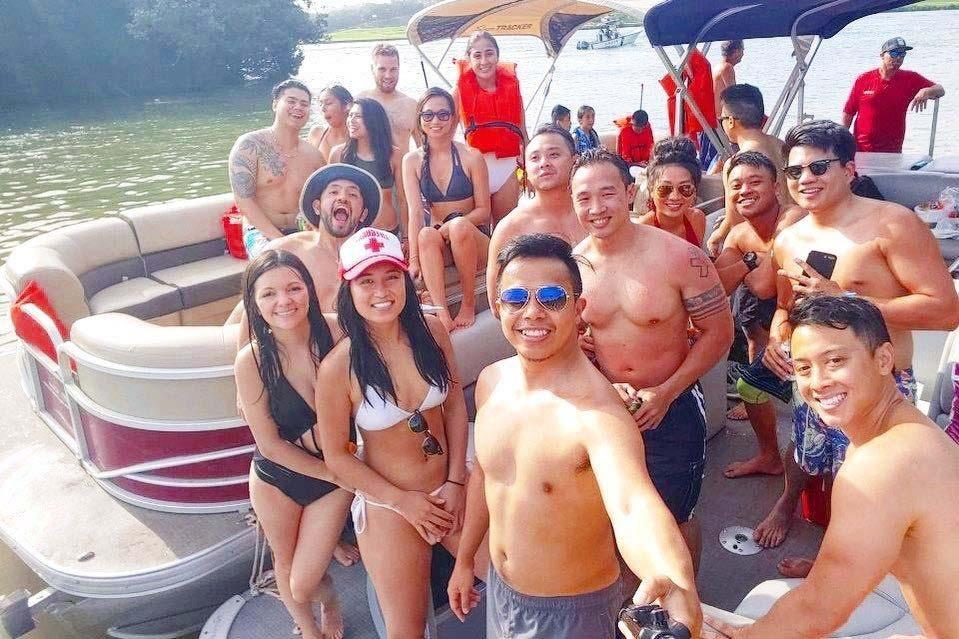 Nauti Side - Lake Austin Boat Rentals