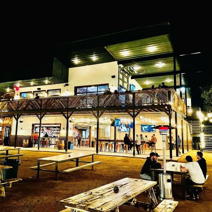 Armadillo Den - South Austin Bar & Entertainment Complex